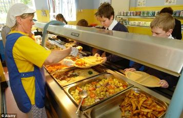 UK: Briansworth Manor Infant School bans pork sausage and replace with Halal food